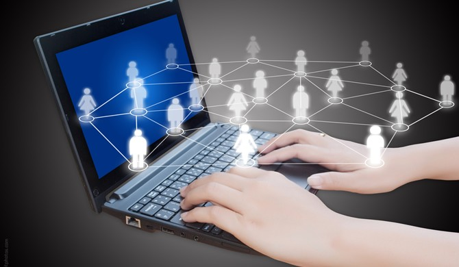 trabajo-redes-sociales-670x390